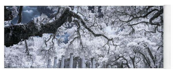 Old Sheldon Church In Infrared Yoga Mat