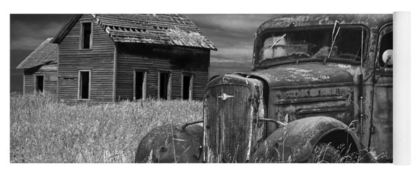 Old Vintage Pickup In Black And White By An Abandoned Farm House Yoga Mat