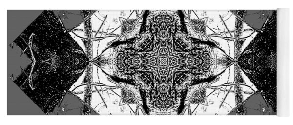 Pattern In Black White Yoga Mat