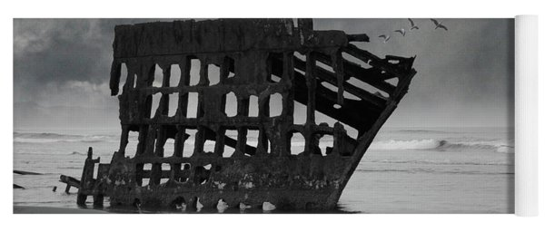 Peter Iredale Shipwreck At Oregon Coast Yoga Mat