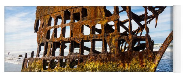 Peter Iredale Shipwreck - Oregon Coast Yoga Mat