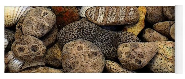 Petoskey Stones With Shells L Yoga Mat