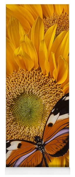 Pretty Butterfly On Sunflowers Yoga Mat