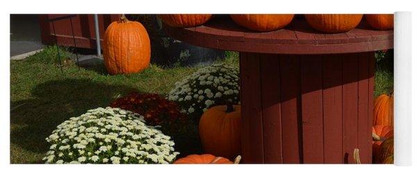 Pumpkin Display Yoga Mat