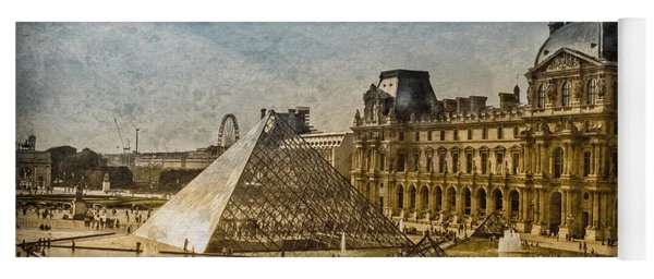 Paris, France - Pyramide Yoga Mat