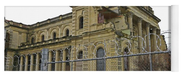 Quake Broken Basilica Yoga Mat