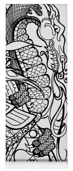 Queen Of Spades Close Up With Dragon Yoga Mat