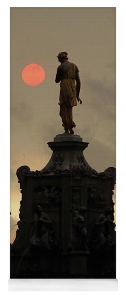 Red Sun With Statue In Bushy Park  London Yoga Mat