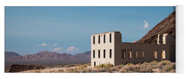 Rhylolite School Nevada Yoga Mat
