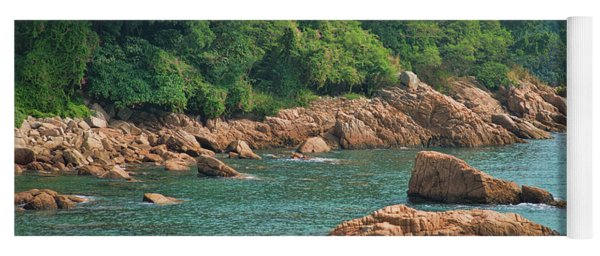 Rocks Stanley Bay Yoga Mat