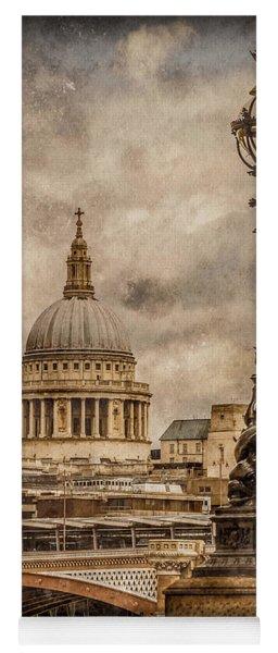 London, England - Saint Paul's Yoga Mat