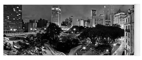 Sao Paulo Downtown At Night In Black And White - Correio Square Yoga Mat