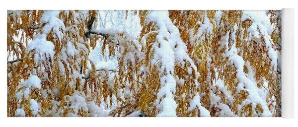 Snowy Golden Locust Yoga Mat
