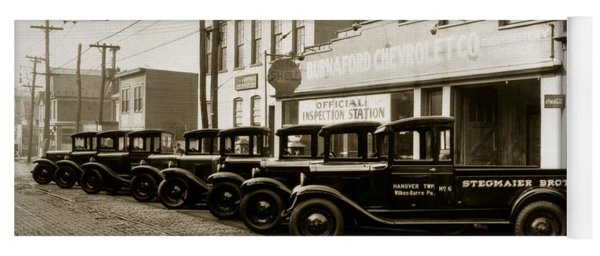 Stegmaier Brothers Inc Beer Trucks At 693 Hazle Ave Wilkes Barre Pa 1930s Yoga Mat