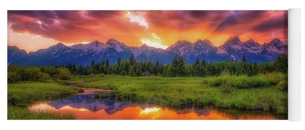 Sunrays Over The Tetons Yoga Mat