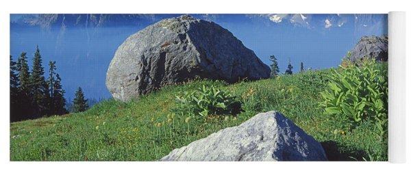1m4862-tatoosh Range And Mt. St. Helens  Yoga Mat