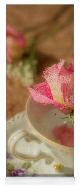 Tea And Roses Yoga Mat