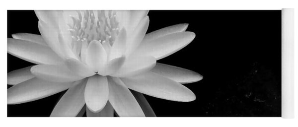 Black And White -timeless Lily Yoga Mat