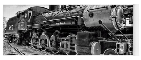 Train - Steam Engine Locomotive 385 In Black And White Yoga Mat
