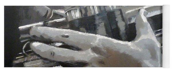 Trumpet Hands Yoga Mat