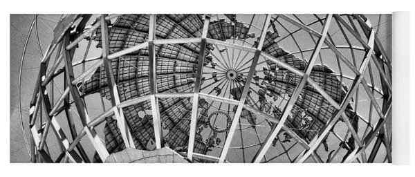 Unisphere In Black And White Yoga Mat
