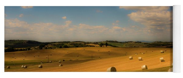 Val D'orcia Field With Hay Balls Yoga Mat