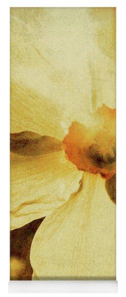 Vintage Daffodil Haze Yoga Mat