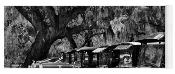 Vintage Ford Line-up At Magnolia Plantation - Charleston Sc Yoga Mat