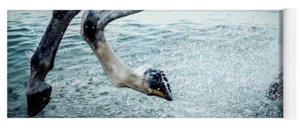 Water Splash Horse Legs Galloping On The Water Yoga Mat