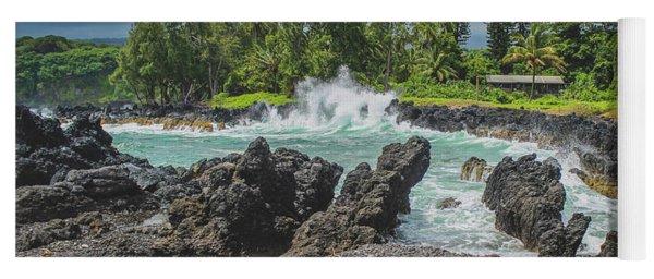 Waves Crashing Kawee Point Yoga Mat