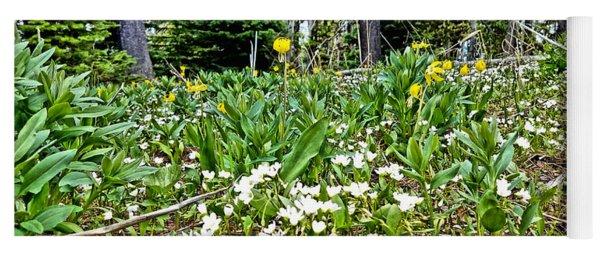 White And Yellow Wild Flowers Yoga Mat