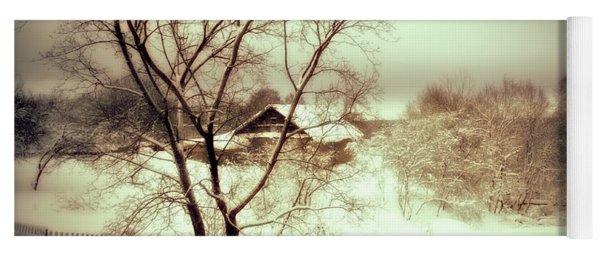 Winter Loneliness Yoga Mat