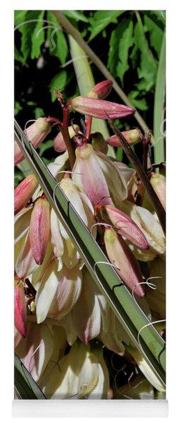 Yucca Bloom I Yoga Mat