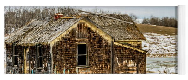 Abondened Old Farm Houese And Estates Dot The Prairie Landscape, Yoga Mat