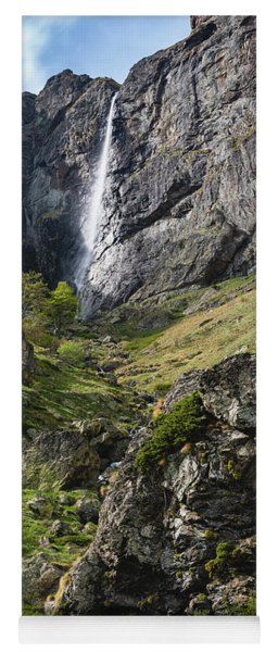 Raysko Praskalo Waterfall, Balkan Mountain Yoga Mat