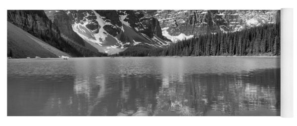 Afternoon Rocky Reflections At Moraine Lake Black And White Yoga Mat