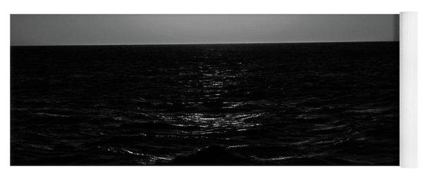 Aruba Sunset In Black And White Yoga Mat