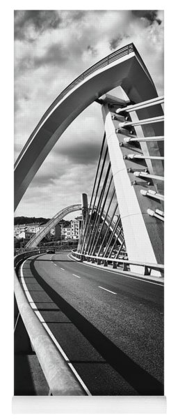 Black And White Version Of The Millennium Bridge Yoga Mat