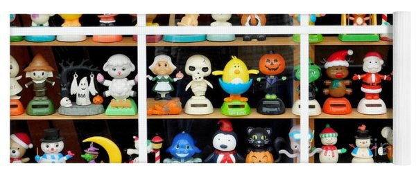 Bobbleheads In Store Window In Schroon Lake Ny In Adirondacks Yoga Mat