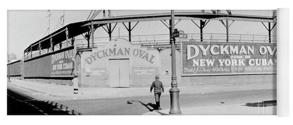 Dyckman Oval Yoga Mat