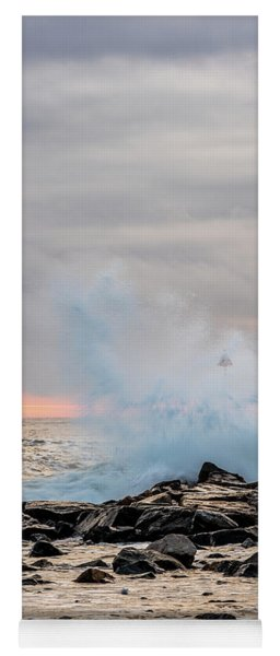 Explosive Sea 4 Yoga Mat