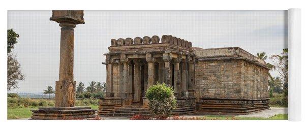 Halebid, Parshvanatha Basadi Yoga Mat