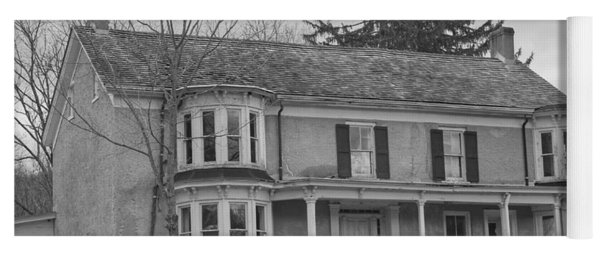 Historic Mansion With Towers - Waterloo Village Yoga Mat
