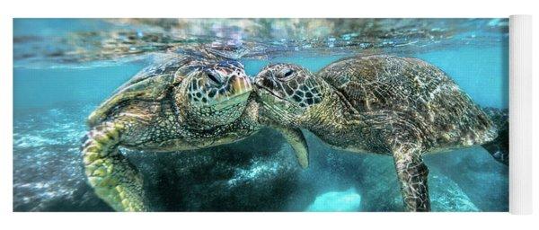 Kissing Turtle Yoga Mat