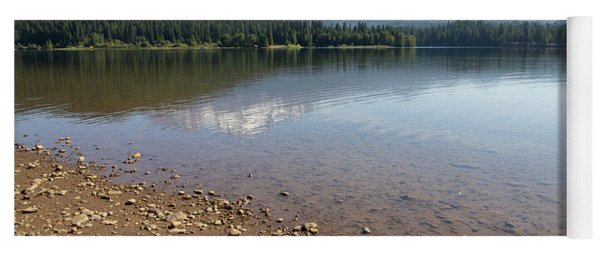 Mt Shasta And Lake Siskiyou In California R1647 Yoga Mat