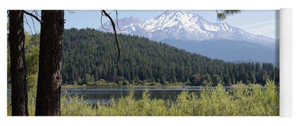 Mt Shasta And Lake Siskiyou In California R1650 Yoga Mat