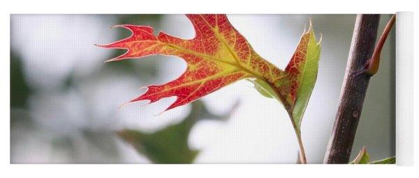Oak Leaf Turning Yoga Mat