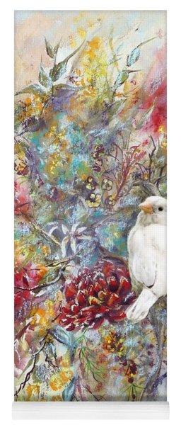 Rare White Sparrow - Portrait View. Yoga Mat