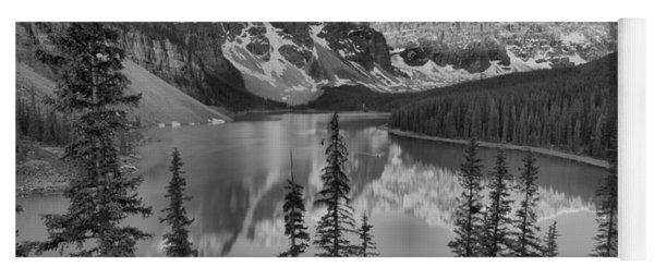 Red Morning Peaks At Moraine Lake Black And White Yoga Mat