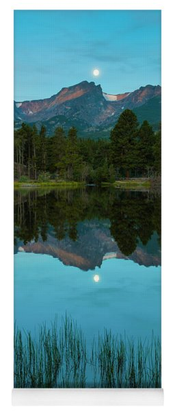 Sturgeon Moon Over Halletts Peak Yoga Mat
